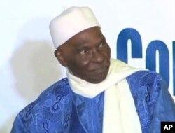 Abdoulaye Wade veut briguer un troisième mandat présidentiel