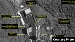 미국의 북한 전문매체 '38노스'가 23일 공개한 북한 동창리 서해위성발사장 모습. '38 노스'는 북한이 서해위성발사장을 해체하기 시작한 것으로 보인다고 밝혔다. 사진제공=38 North