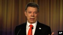 """""""Colombia celebra los 204 años desde el grito de independencia en un ambiente de esperanza y positivismo"""", dijo Santos."""