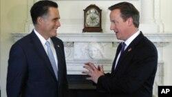Mitt Romney se entrevistó este jueves con el primer ministro británico, David Cameron, en Londres.