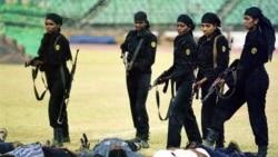 افسران پليس زن در هند دوره کماندويی می گذرانند