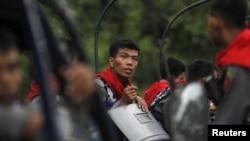 Cảnh sát đứng gác ở Rakhine sau vụ bạo động
