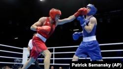 Тарас Шелестюк під час бою на Олімпіаді у Лондоні