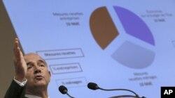 Francuski ministar finansija Pjer Moskovisi na konferenciji za novinare u Parizu, 28. septembar 2012.