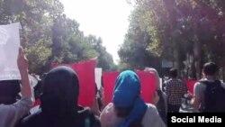 تصویری از تجمع اعتراضی دانشجویان در دانشگاه تهران
