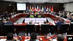 跨太平洋伙伴关系(TPP)成员国的贸易部长和代表参加了2017年11月9日在越南岘港举行的亚太经济合作组织(APEC)领导人峰会期间的TPP部长级会议。