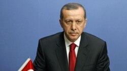 نخست وزیر ترکیه فرانسه را به «نسل کشی» در الجزایر متهم می کند