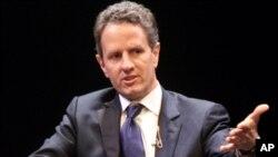 El secretario del Tesoro de EE.UU., Timothy Geithner, pidió implementar sanciones diplomáticas y económicas para aislar al régimen de Bashar al-Assad.