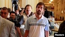 James Foley 2011 yılında Libya'da Kaddafi yönetimine bağlı güvenlik güçleri tarafından da gözaltına alınmıştı. Foley'le birlikte gözaltına alınan diğer gazeteciler de Türk Büyükelçiliği'nin girişimleriyle serbest kalmıştı
