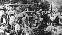 Gold miners in California