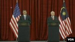 美國總統奧巴馬與馬來西亞總理舉行會談後舉行聯合記者會
