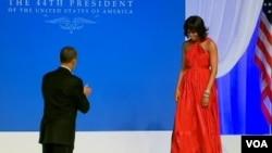 Mišel Obama u haljini Džejsona Vua