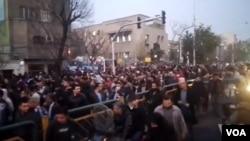 راهپیمائی در تهران، 10 دیماه