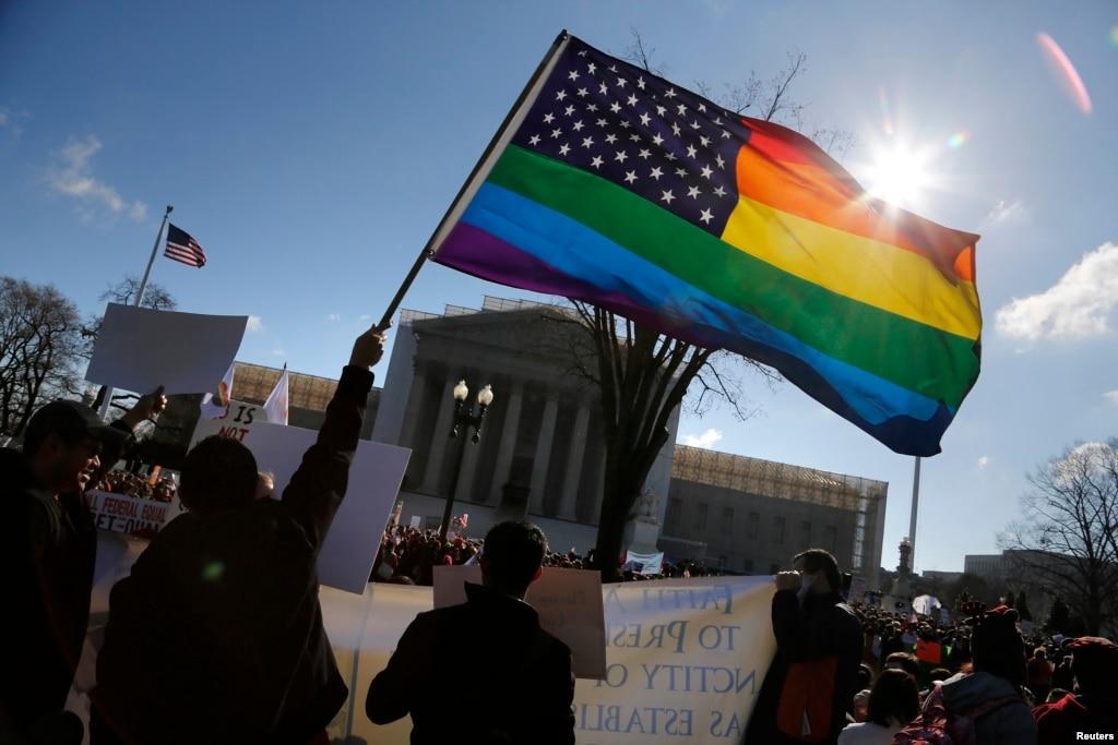 """""""CASAMENTO"""" HOMOSSEXUAL DOS EUA AFETARÁ OUTROS PAÍSES"""