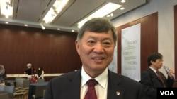 丹佛大學中國項目主任趙穗生 (美國之音鐘辰芳拍攝)