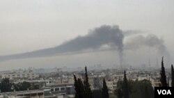 El ejército bombardeó por decimosexto día consecutivo la ciudad de Homs.