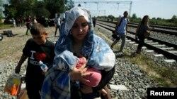 اکنون روزانه حدود ۵۰ پناهجوی غیرقانونی وارد یونان و حدود ۷۵۰ پناهجوی دیگر وارد ایتالیا میشود