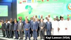 Un sommet conjoint de la CEDEAO et de la CEEAC s'est tenu à Lomé, 30 juillet 2018. (VOA/Kayi Lawson)