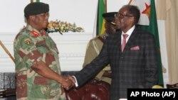 UGeneral Constantino Guveya Chiwenga lowayengumongameli uMnu. Robert Mugabe.