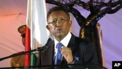 Madagascar Pothole Politics