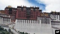 西藏拉萨布达拉宫(资料图)