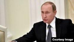 افراد وابسته به ولادیمر پوتین، رئیس جمهور روسیه در افشای اسناد مالیات گریزی شامل اند.