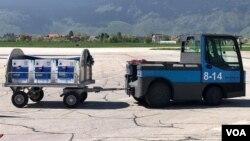 Pfizerove vakcine na aerodromu u Sarajevu, 4. maj 2021.