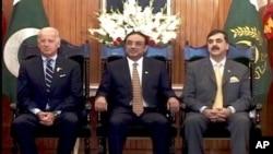 امریکی نائب صدر پاکستانی قیادت کے ہمراہ