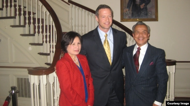 From left to right: Tun Sovan, Martin J. O'Malley, former governor of Maryland, and Mrs. Ngor Yok Bean in 2012 at the Maryland Residence. (Photo courtesy: Tun Sovan)