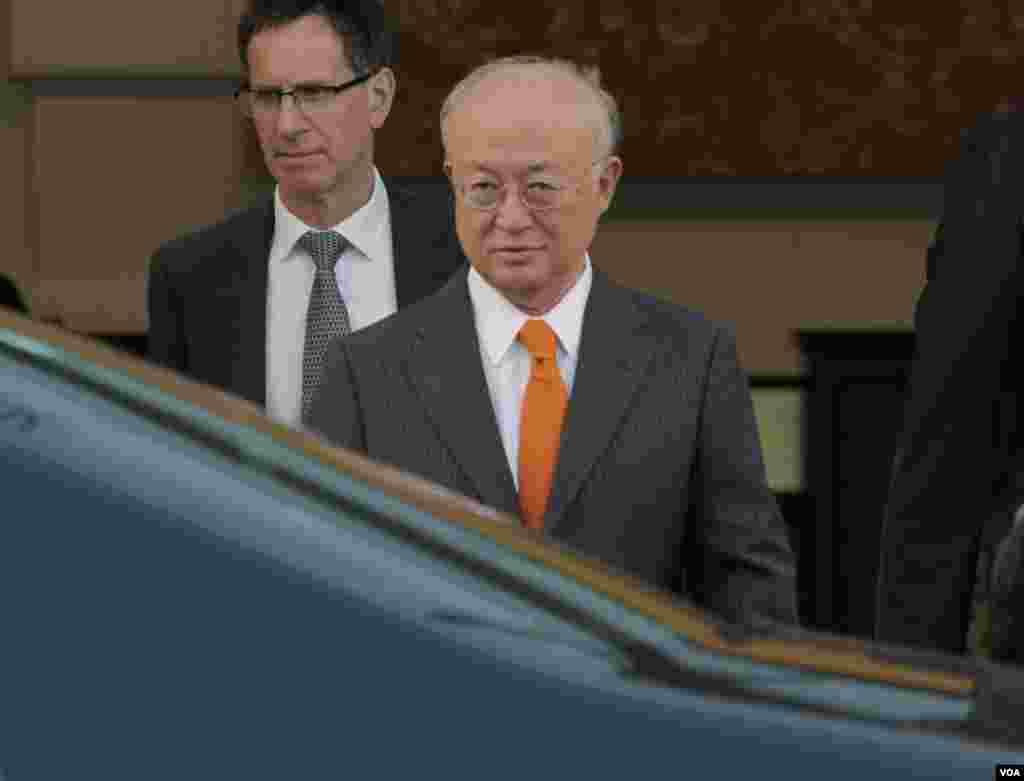 یوکیا آمانو مدیرکل آژانس بین المللی انرژی اتمی در هتل کوبورگ شهر وین، محل برگزاری مذاکرات اتمی ایران و ۱+۵