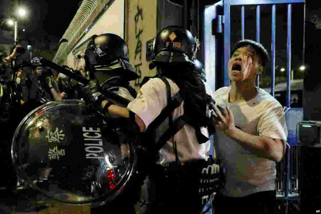 مرد معترض در هنگ کنگ توسط پلیس مجروح شد. دهها نفر توسط پلیس بازداشت شده اند. در هفته های اخیر مردم هنگ کنگ به دخالت های چین معترض هستند.