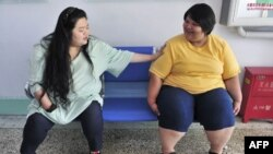 Pacijenti koji boluju od gojaznosti u Centru za mršavljenje u Čengčunu na severoistoku Kine. Centar je otvoren 2004, a trenutno leči više od 100 gojaznih pacijenata iz svih delova Kine.