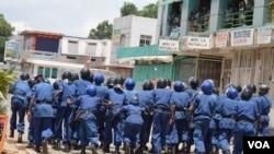 Polisi katika mitaa ya Burundi