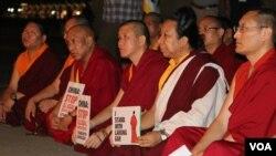 参加此次台湾声援五明佛学院的僧人