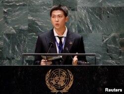 Seorang anggota BTS yang dikenal sebagai RM, meyampaikan isu perubahan iklim di Majelis Umum PBB, Senin (20/9).