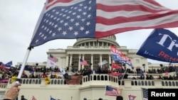 特朗普总统的支持者1月6日占领国会大厦