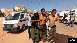 Fòs ki Fidèl ak Kadhafi yo Touye 15 Gad Konsèy Nasyonal Tranzisyon an