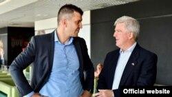 Ministar odbrane Srbije Zoran Đorđević i ambasador SAD u Srbiji Kajl Skat tokom vežbe Platinijumski vuk (foto: Ministarstvo odbrane Srbije)