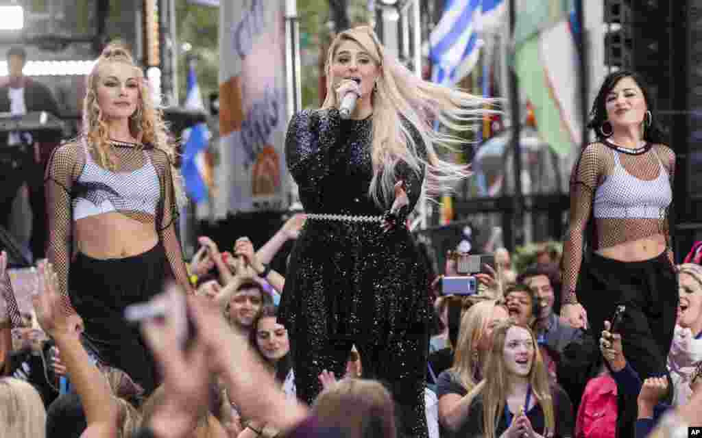 در برنامه صبحگاهی امروز تلویزیون ان بی سی، «مگان ترینر» خواننده ۲۵ ساله حضور داشت. او در سالهای اخیر دو آلبوم موفق عرضه کرد.