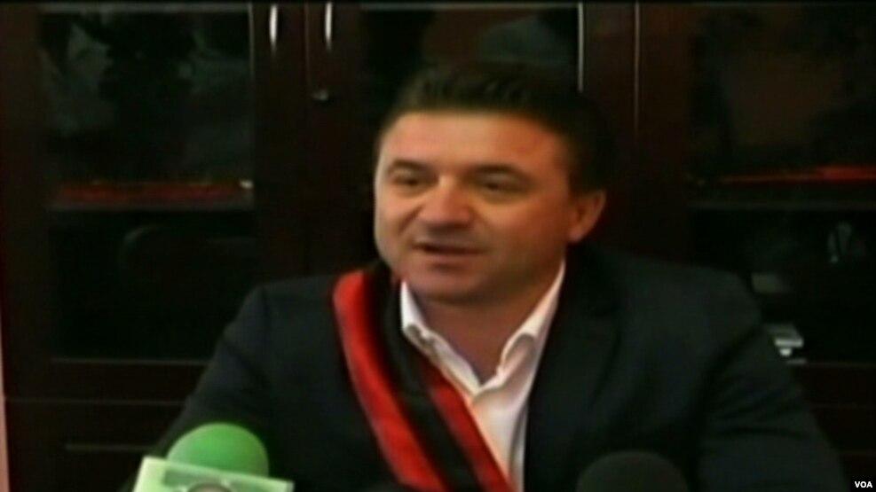 Dorëhiqet kryebashkiaku i Kavajës