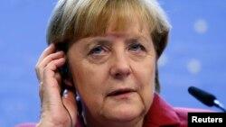 Kanselir Jerman Angela Merkel dalam konferensi pers pada KTT Pimpinan Uni Eropa di Brussels 25/10/2013. Merkel menuduh AS telah menyadap ponselnya.