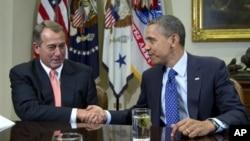 지난 11월 회동 당시 바락 오바마 미국 대통령(오른쪽)과 존 베이너 하원의장. (자료사진)