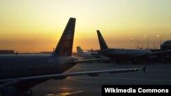 Ekonom Norwegia menyarankan maskapai penerbangan untuk menetapkan harga tiket yang lebih untuk orang dengan obesitas, karena konsumsi bahan bakar pesawat bergantung pada bobot di dalamnya. (Foto: Ilustrasi)