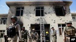 12일 탈레반에 의해 공격당한 동부 도시 잘랄라바드 청사