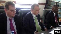 FILE: IMF Zimbabwe country representative Christian Beddie and his colleage Domenico Fanizza (right). Photo by Irwin Chifera.
