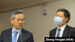 台湾卫生官员在立法院接受质询(美国之音张永泰拍摄)