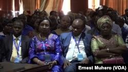 Délégation Sud-Kivu dans le forum interprovincial sur la persistance des groupes armés dans l'est de la RDC, à Bukavu, le 14 septembre 2018. (VOA/Ernest Muhero)