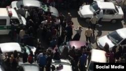 دانشجویان دانشگاه آزاد واحد تهران مرکز به حضور «گشت ارشاد» در در این دانشگاه اعتراض کردند