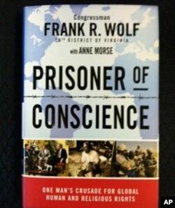 沃尔夫议员新书《良心犯》