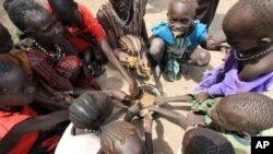Displaced children in Sudan